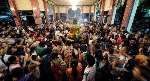 Buddha Bathing Songkran Wat Po Chai Nong Khai