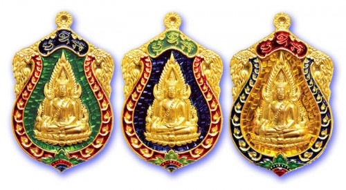 Pra Putta Chinarat Buddha Coin Amulet from Wat Pra Sri Radtana Maha Tat in Pitsanuloke, these versions were made from solid silver with gold plated front face, and glazed with green blue or yellow Rachawadee Enamels