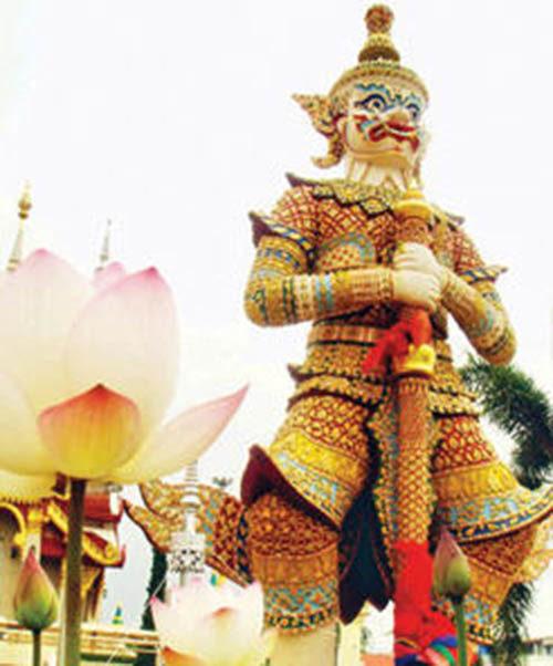 Taw Waes Suwan Asura Deva Lotus