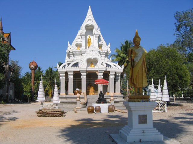 Wat Ta Muang Thai Buddhist Temple
